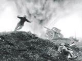 Shell-Exploding-German-Gun-WWI