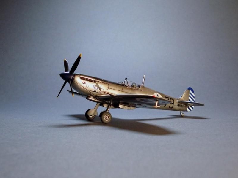 Spitfire-Mk.IXe-003