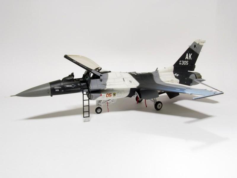 F-16C Falcon 03