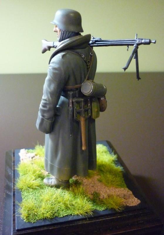 Tamiya 1_16 German Machine Gunner #1