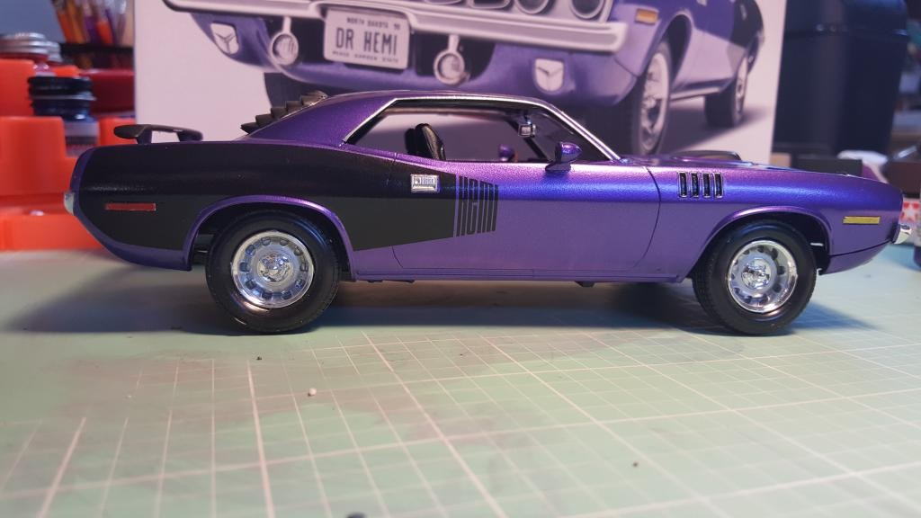 Revell Muscle 71 Hemi Cuda Built Box Stock Using Testors Aztek Pearl Purple Acrylic Paint And Clear Coated With 3 Coats Of Future Polish It Was A Fairly