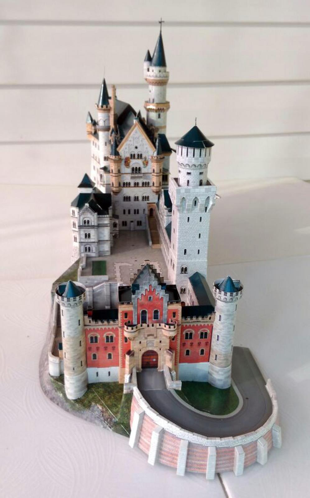 Замок neuschwanstein из бумаги