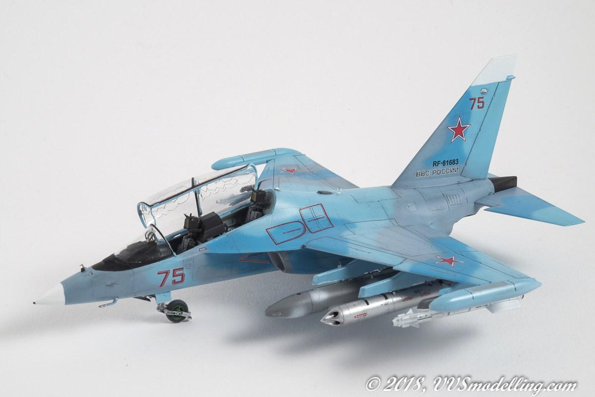 Yak-130 'Mitten'; Zvezda 1:72