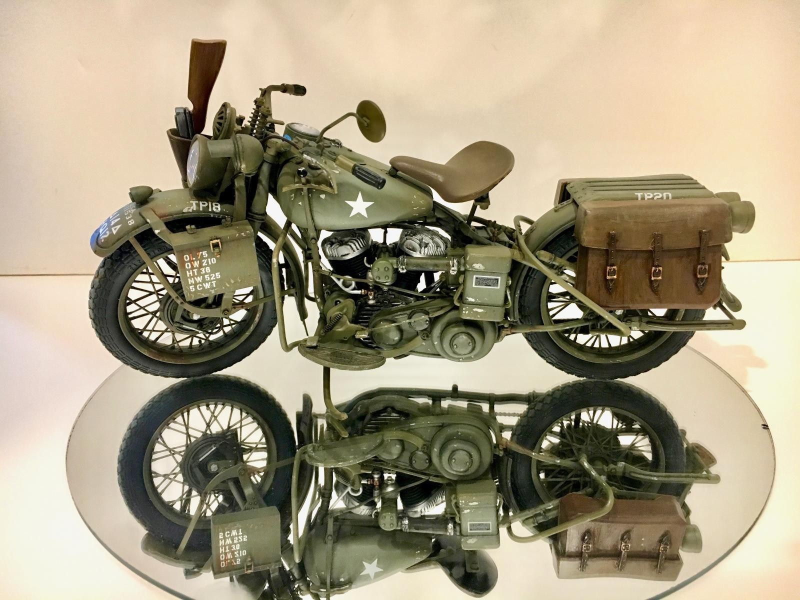 italeri 1 9 scale 1942 harley davidson wla imodeler. Black Bedroom Furniture Sets. Home Design Ideas
