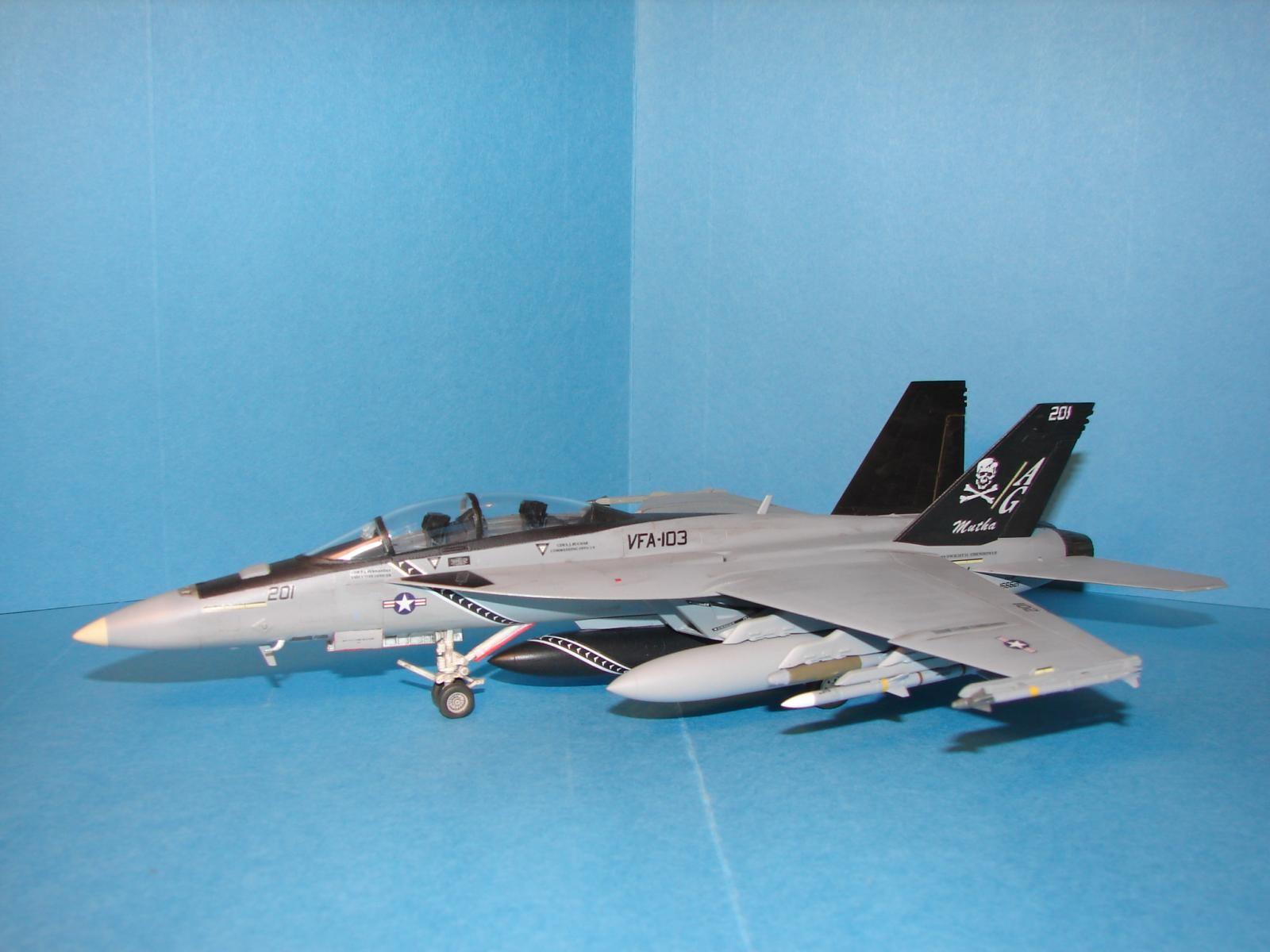 1/72 Academy press-fit F/A-18F | iModeler